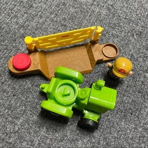 Like New! Little People tractor, farmer and gate